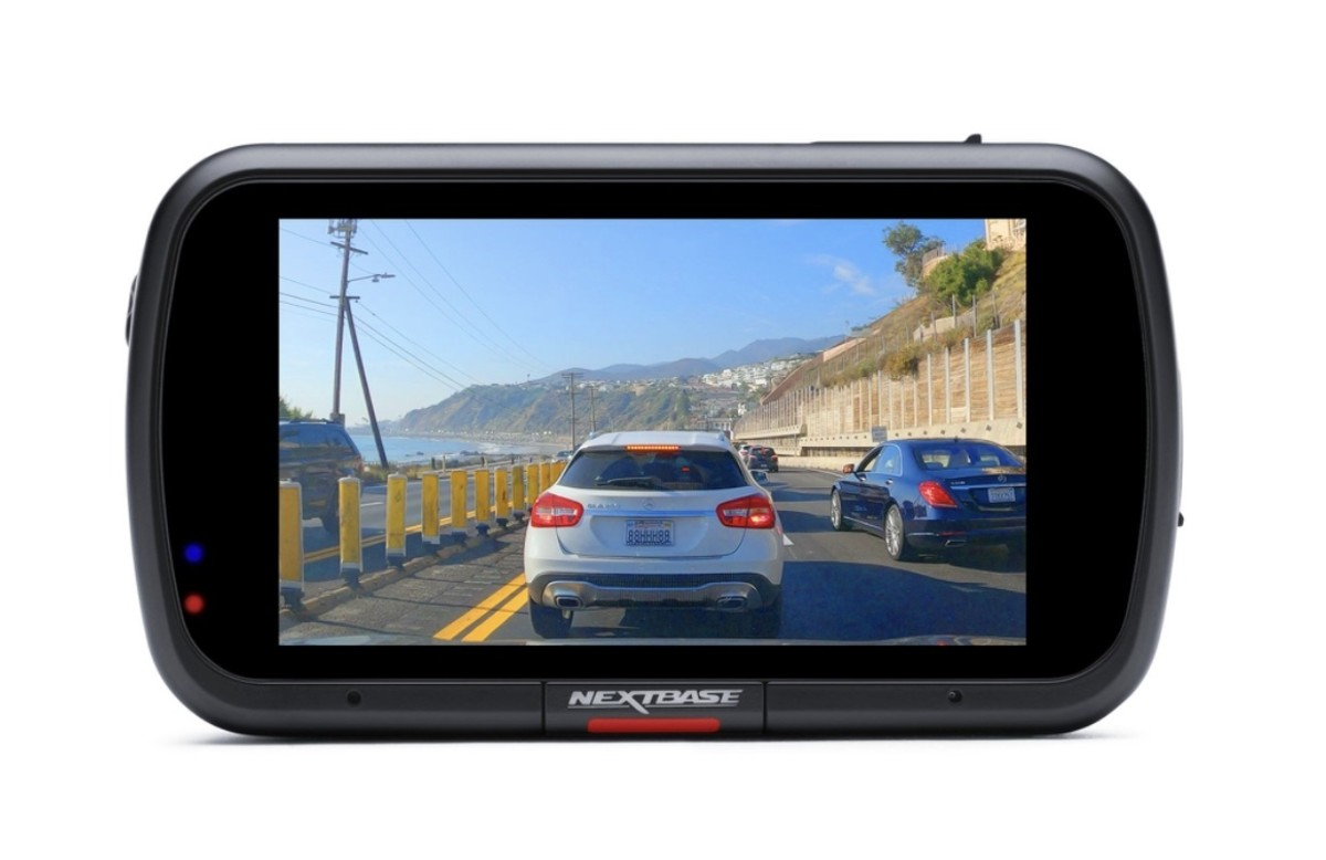your-car-will-find-nextbases-622-gw-dash-cam-impressive