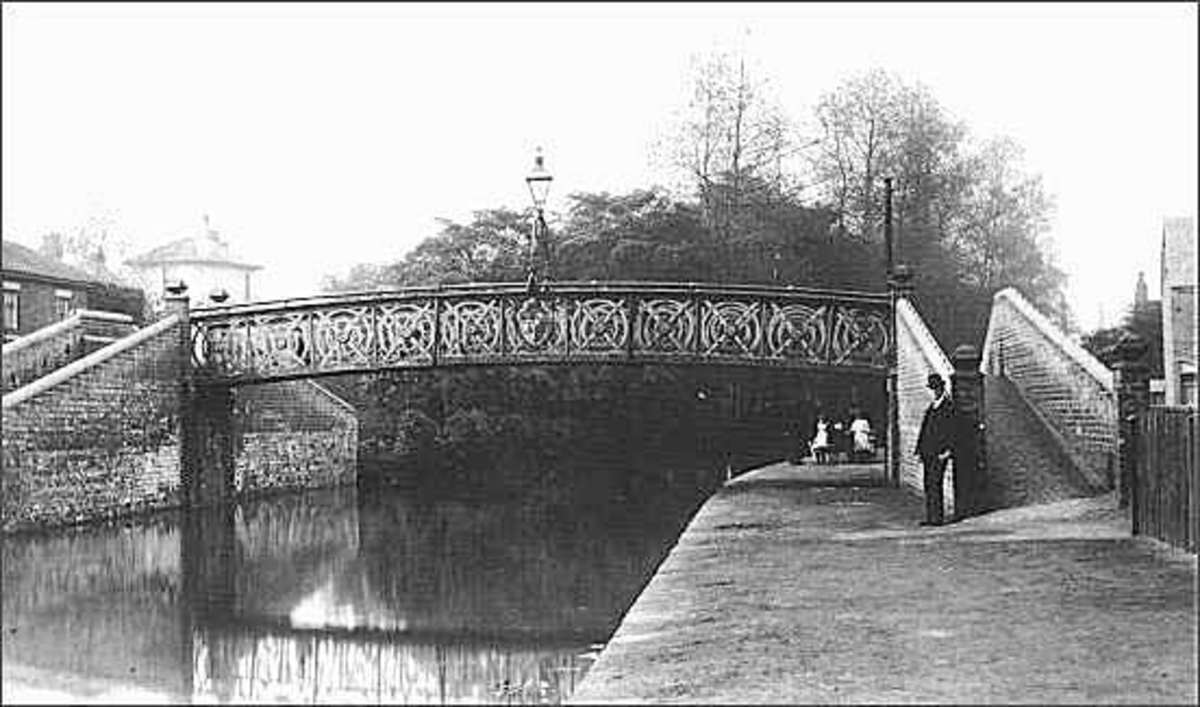 This footbridge over the Newcastle-under-Lyme Canal was near to Nursery Street and the site of the accident