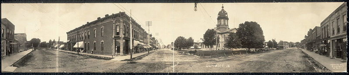 Vintage photo of Winterset, Iowa from 1907