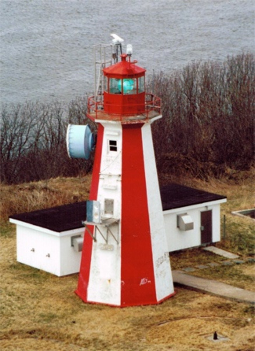 A picture of the lighthouse located on Partridge Island