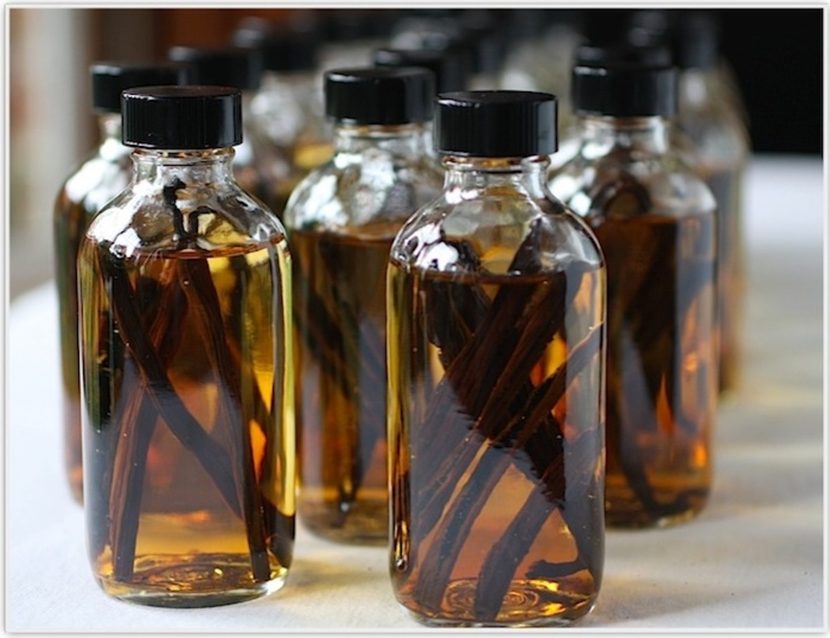 Make Your Own Vanilla Bean Extract