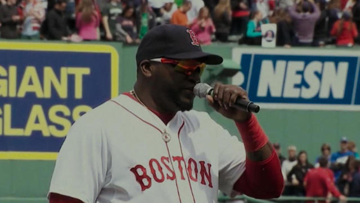 David Ortiz introduces the heroes of Boston police to the field