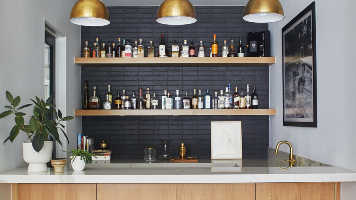 When you see these stylish setups. You're inspired to make your own cocktails the bar in the home.