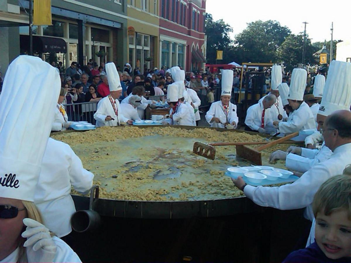 5,000 egg omelette
