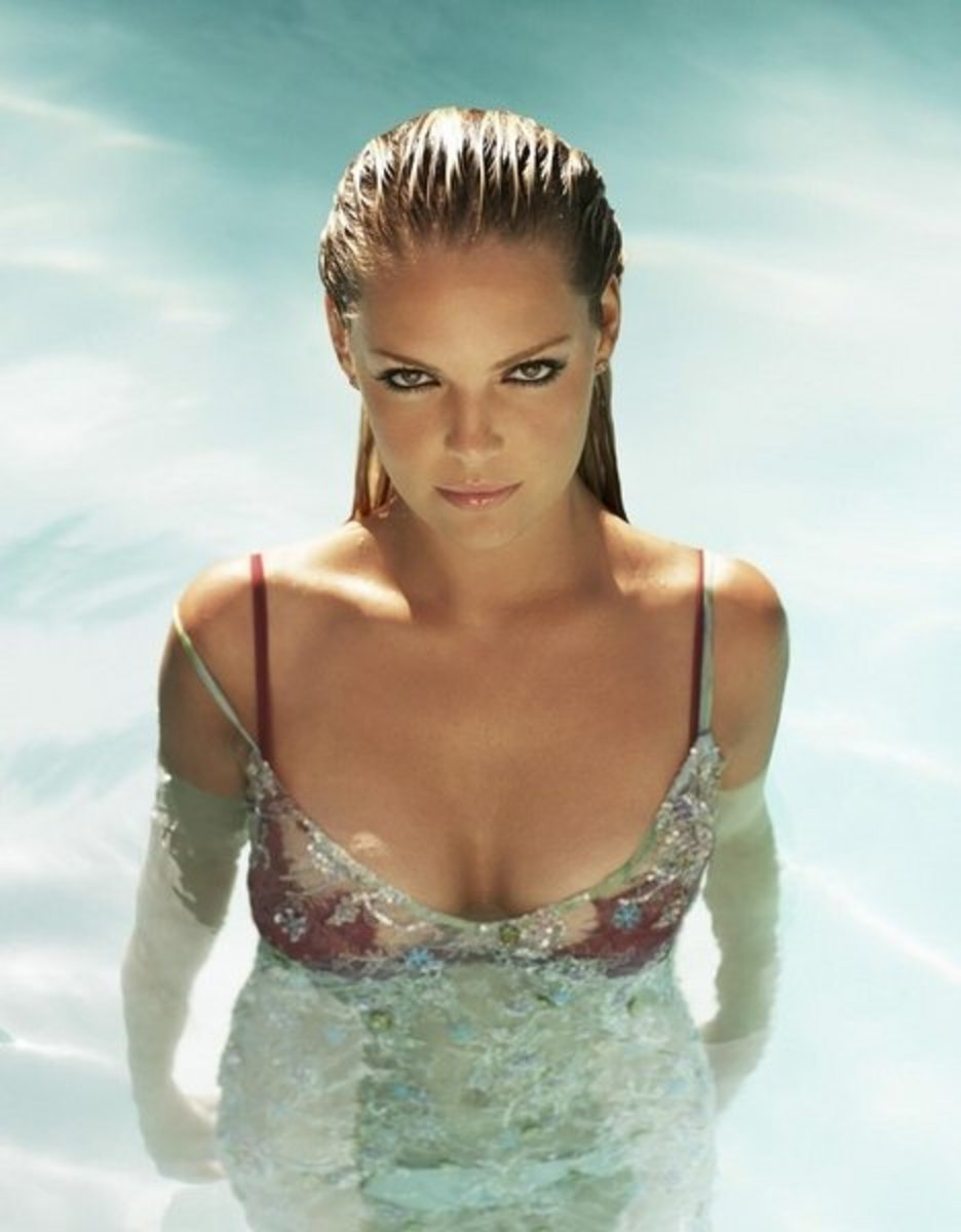 Half wet hot in water Katherine Heigl