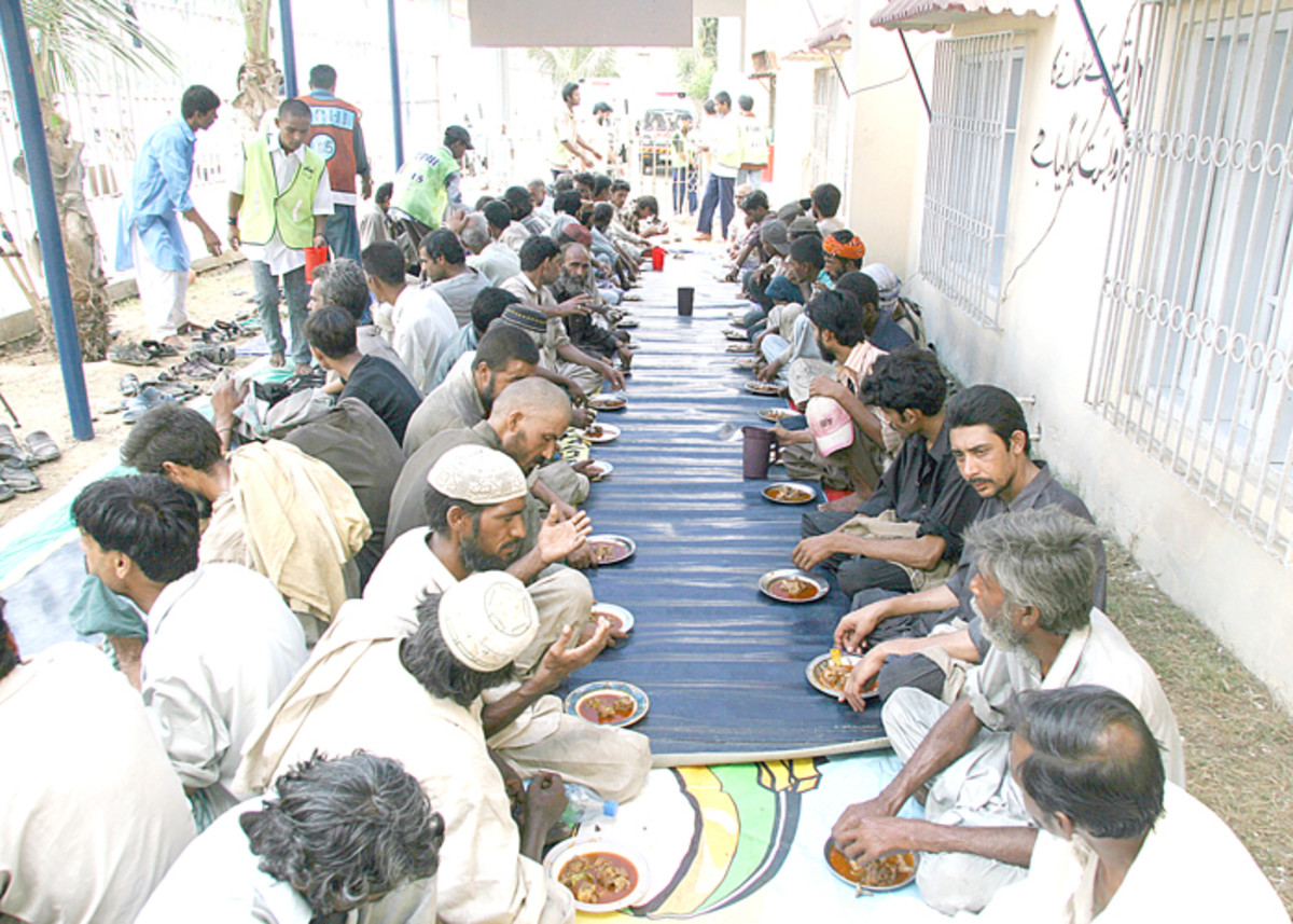 Edhi Free meals daily for those who are poor and ca'nt afford it