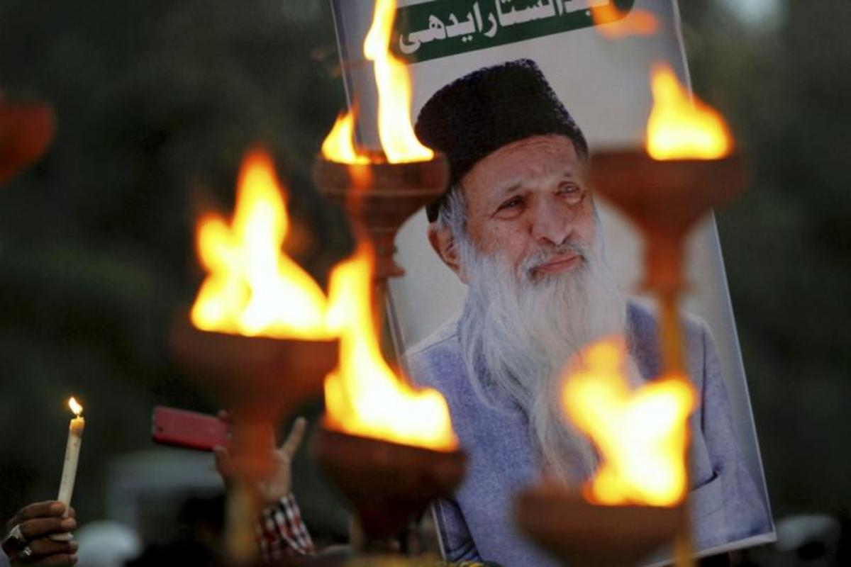 abdul-sattar-edhi-a-real-life-super-hero