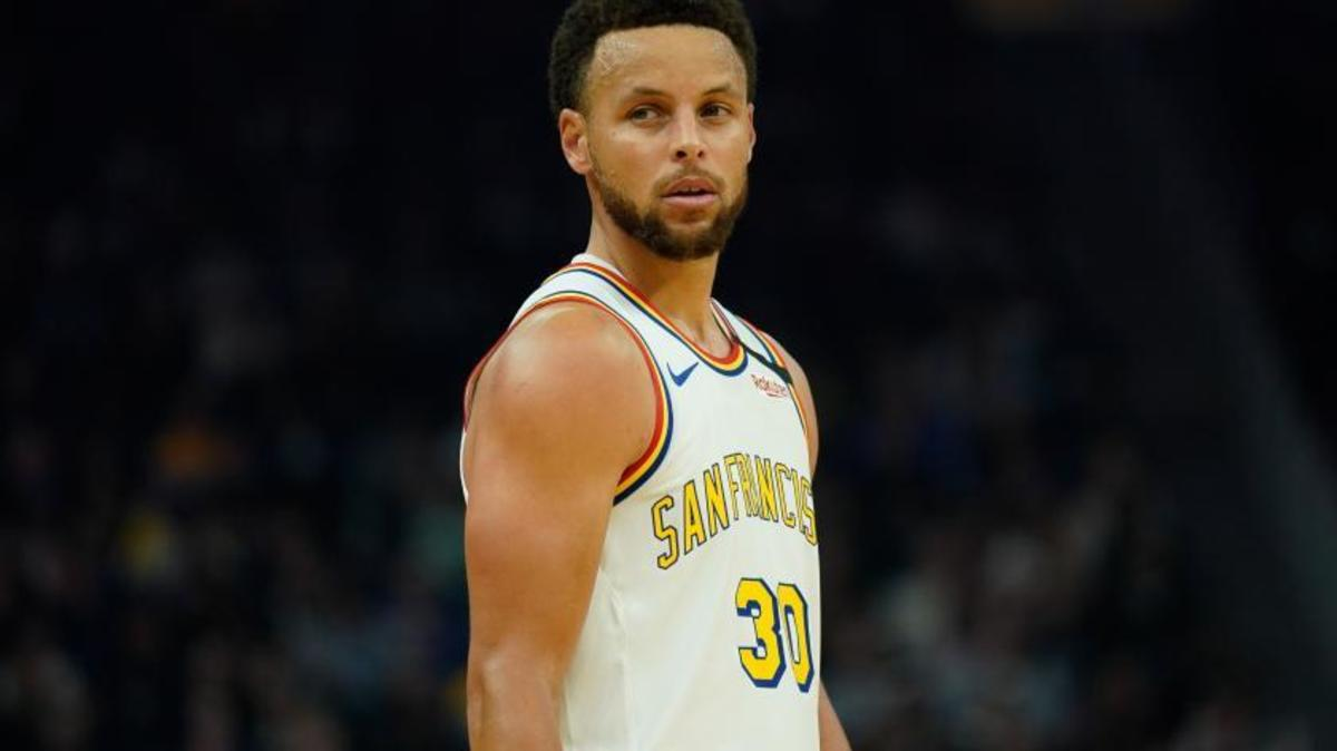 Steph Curry and the Warriors are currently 10-8 in the Western Conference which puts them at 6th in the standings.