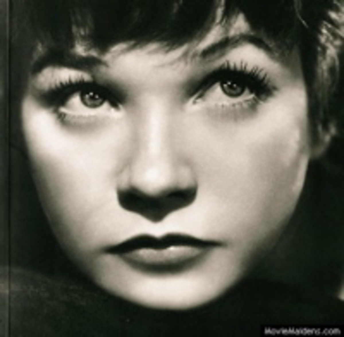 Shirley MacLaine, Famous Redhead:  Biography with Photos and Videos