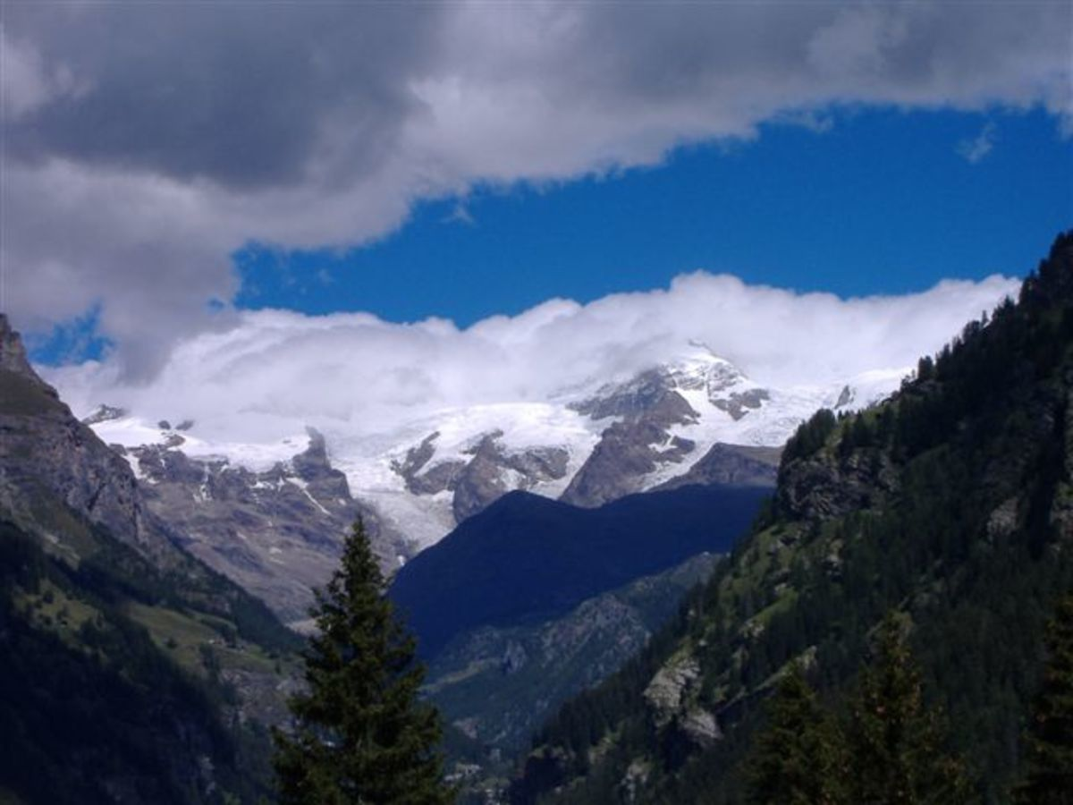 Monte Rosa.  Image courtesy Wikipedia Commons.