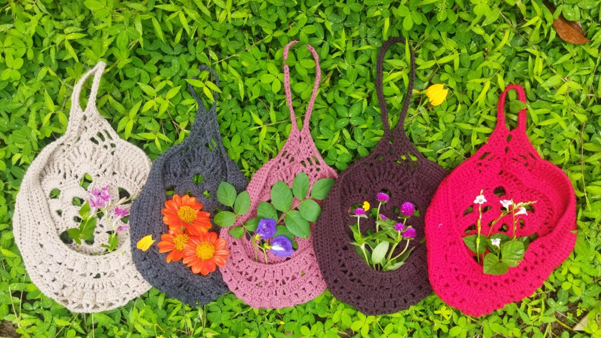 This basket looks good in a variety of colors!