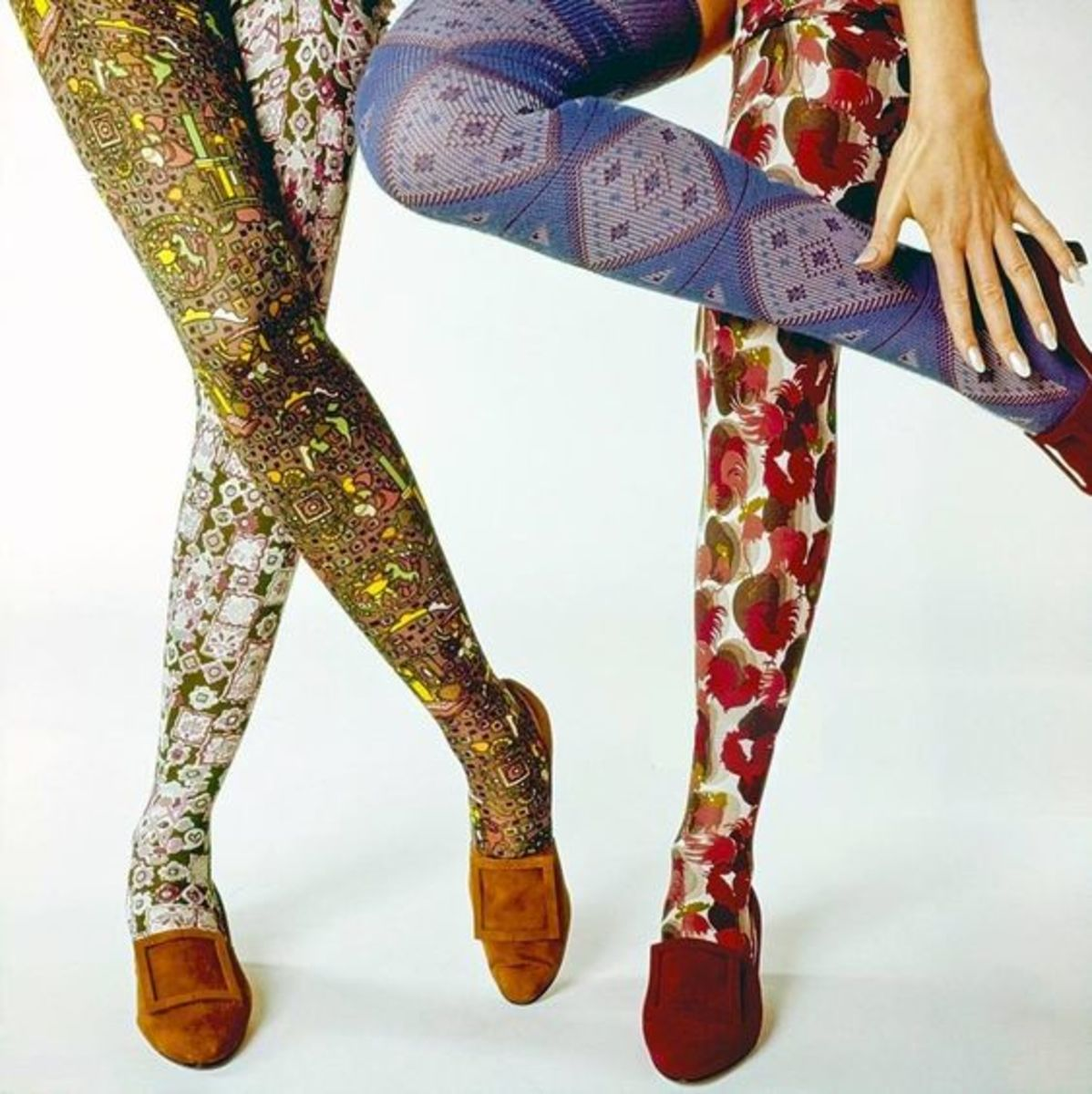 Dress your legs in lovely patterns of spring and summer