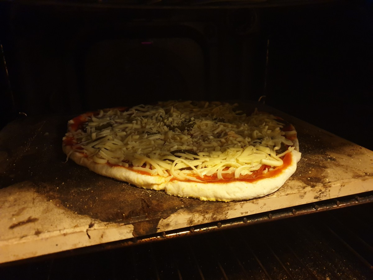 perfect-gluten-free-pizzas-using-a-pizza-stone