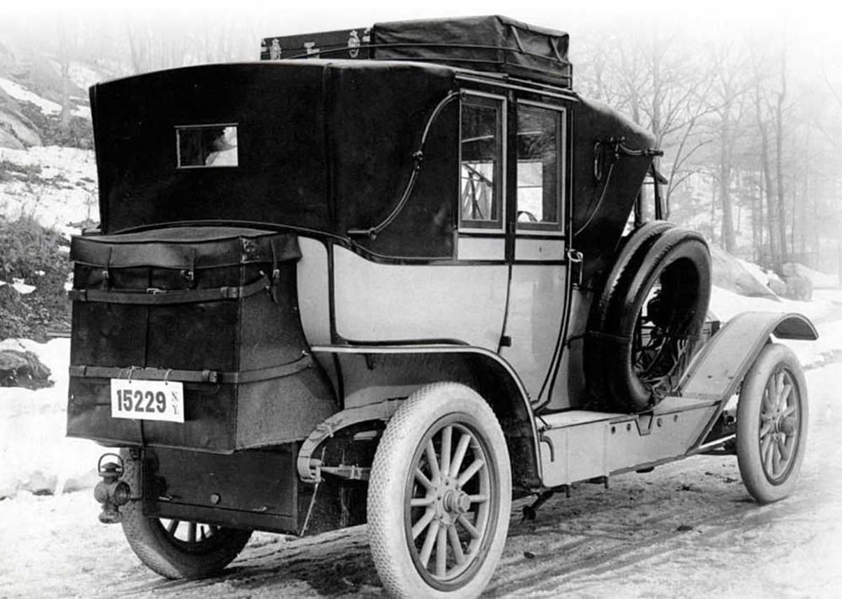 A 1910 Pierce-Arrow Touring Landau