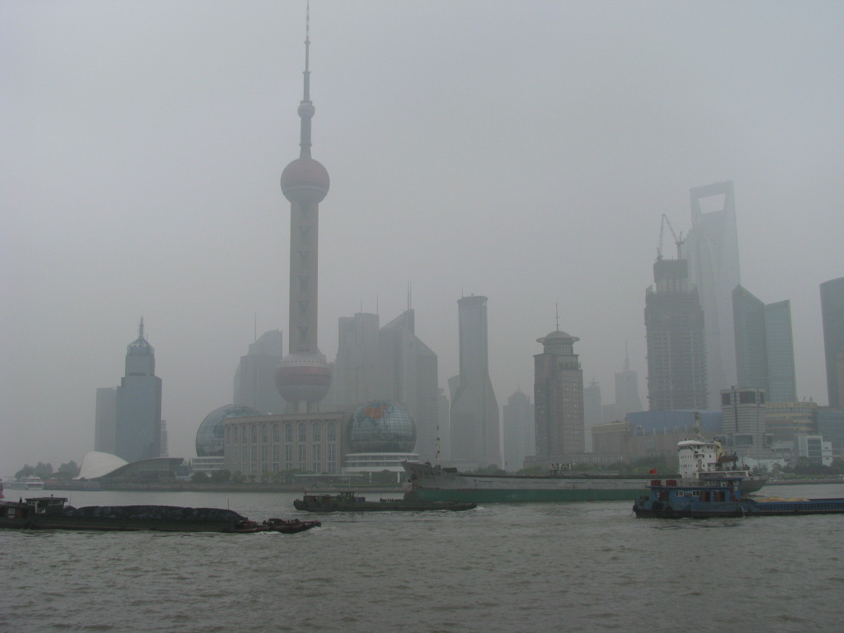 The heavy smog in Shanghai is a result of strong anthropogenic pollution.