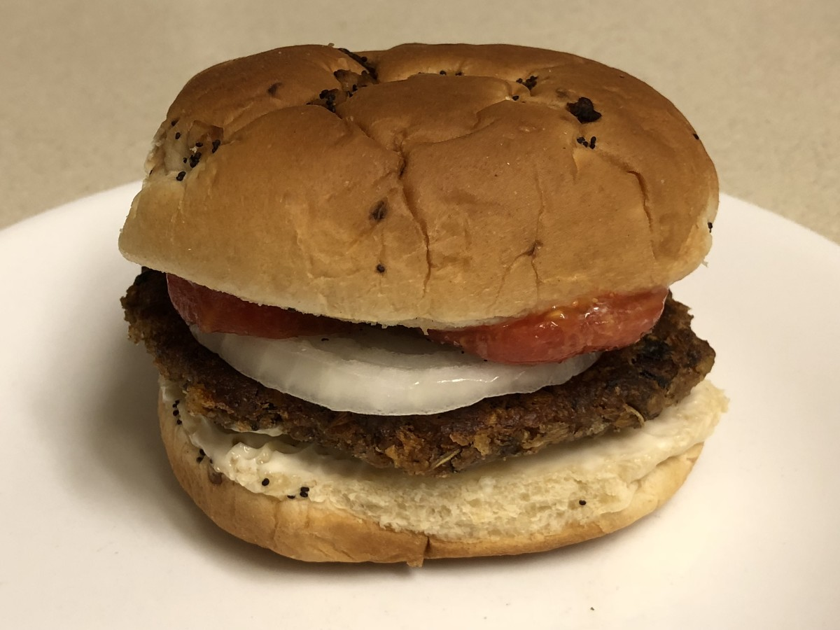 Blue Plate Diner Classic Vegan-Friendly Veggie Burger