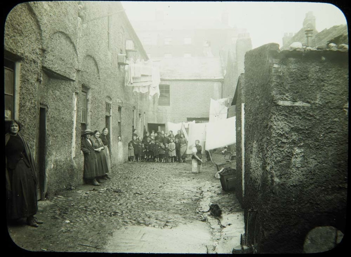 The slums of Dublin in 1913