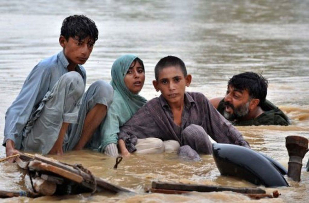 An anonymous picture of Pakistani flood survivors.