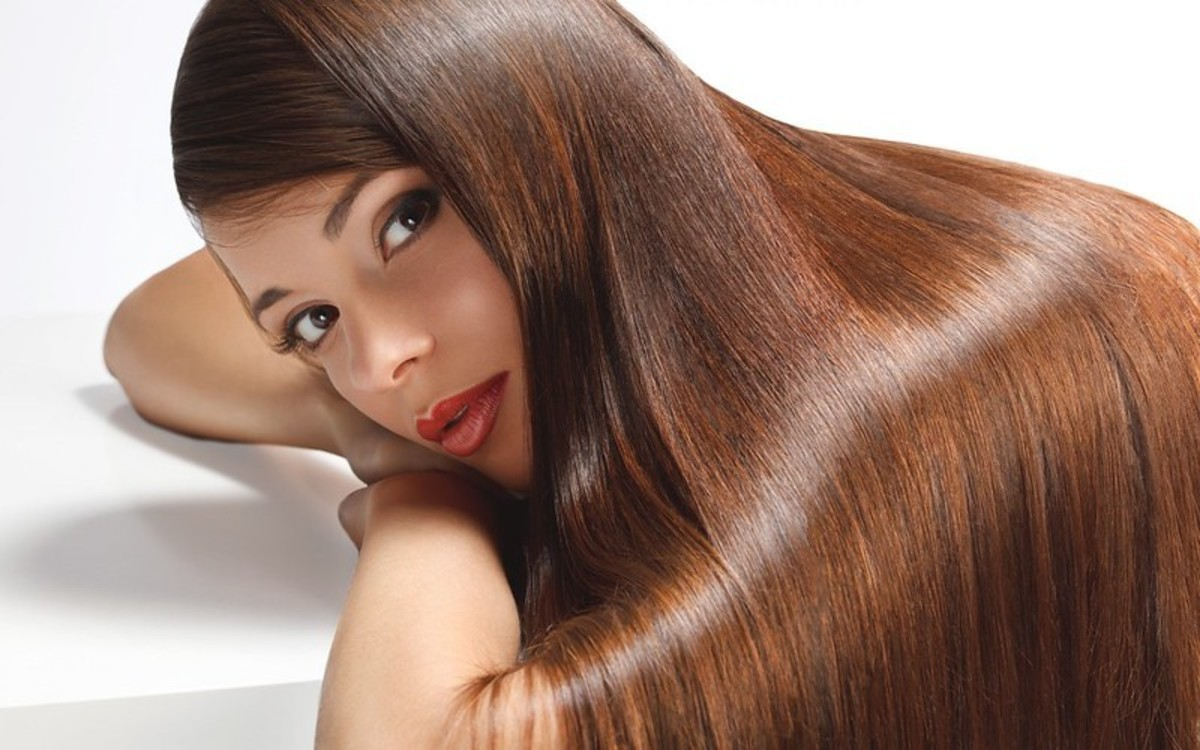 Want strong, beautiful, shiny hair? Give almond oil a try.