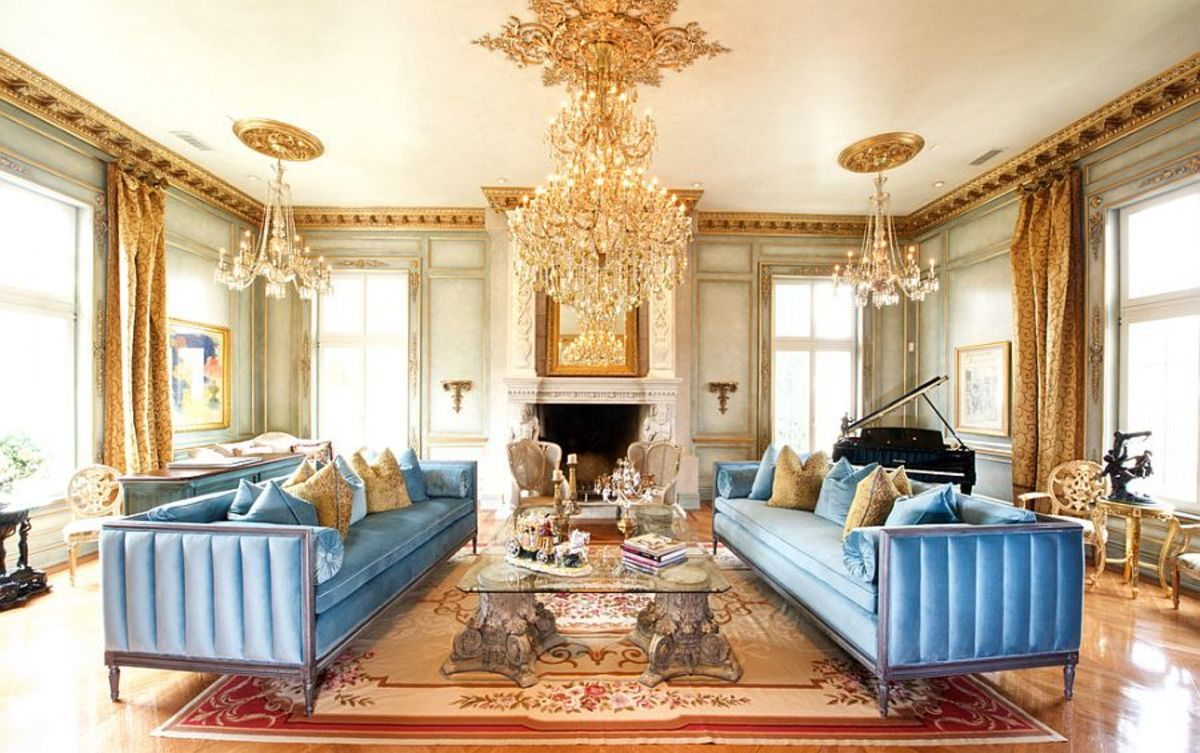 The Chinese Zodiac Rat's living room should play off the colors blue and gold. It should look Victorian, like a place fit for a president, and it should be inviting. It is a blend of opulence, the future, and the heavens.