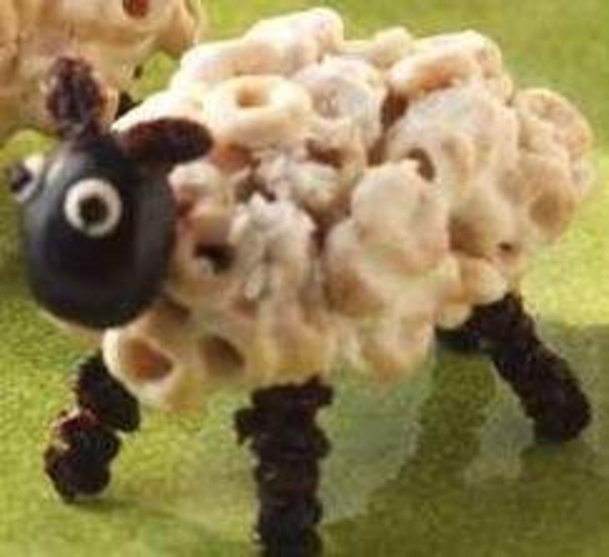 Idea and image credit: http://madhousefamilyreviews.blogspot.com/2011/04/great-kids-activity-fun-edible-food-art.html