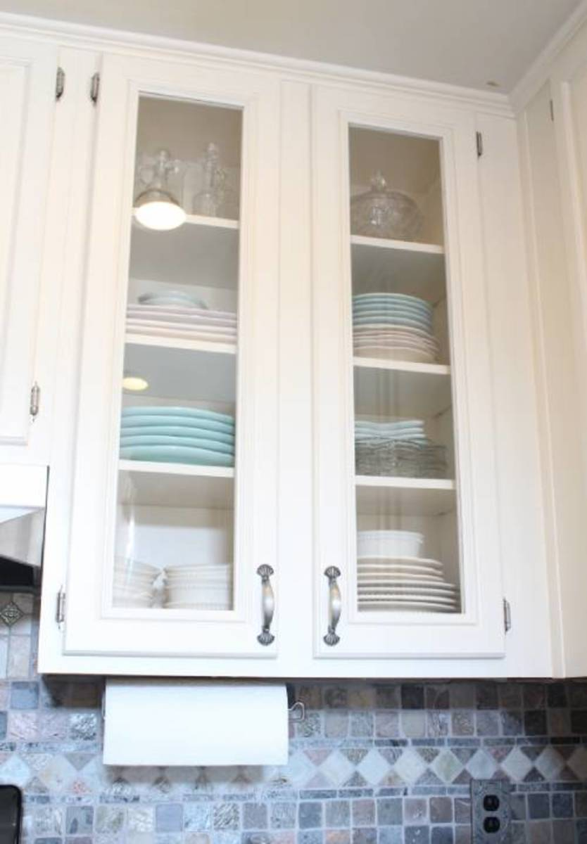 Use the glass or plexiglass in the cabinet doors in the kitchen plates.