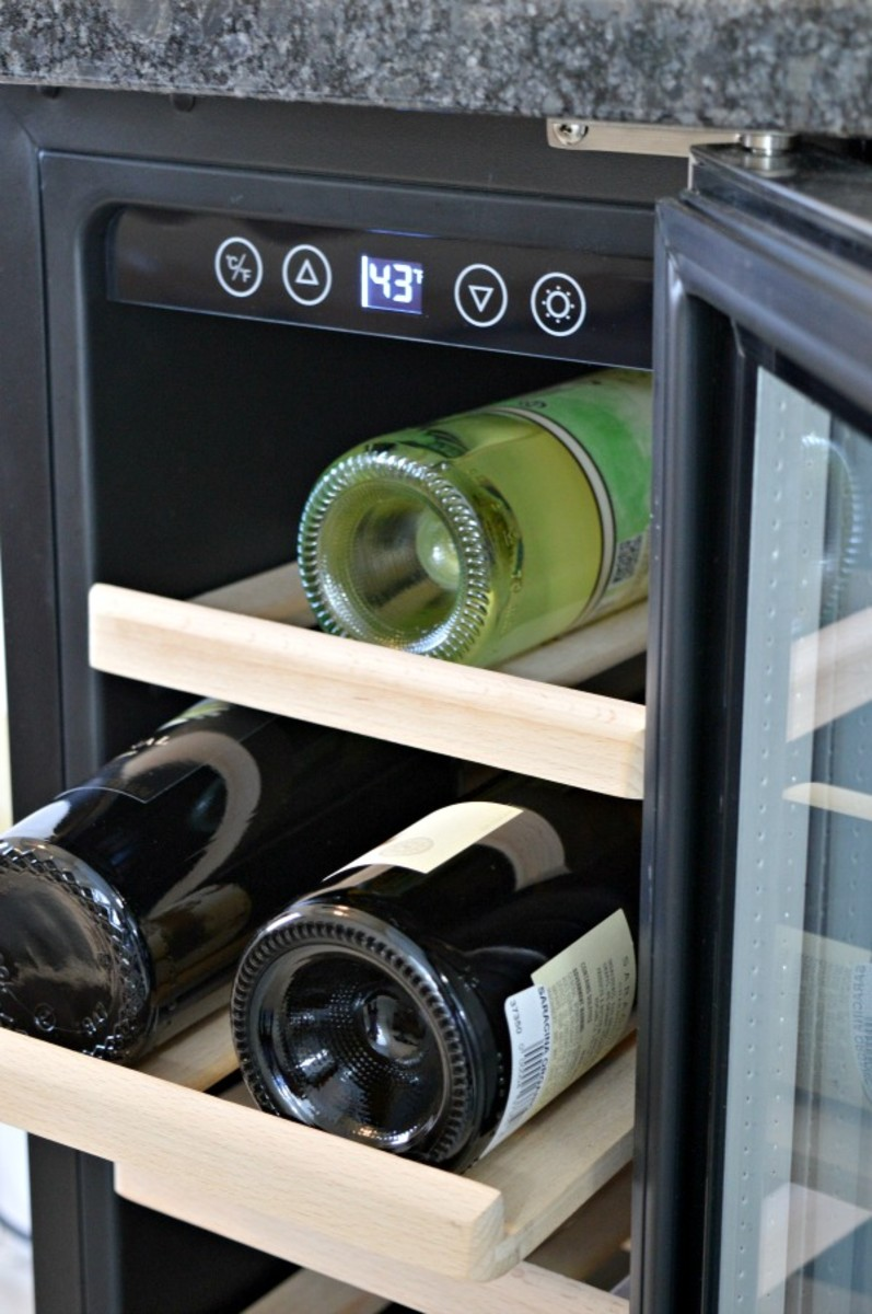 This wine cooler is in this basic kitchen in this type of wine!