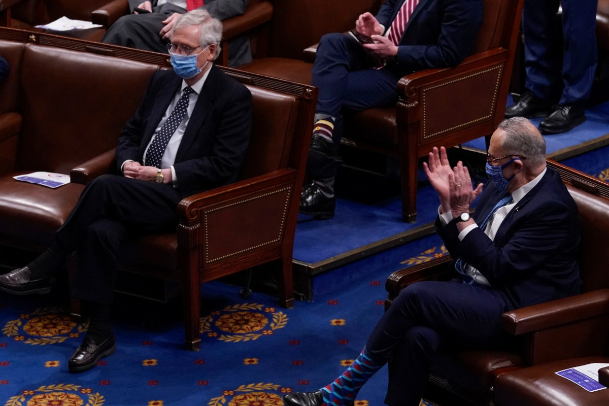 Senators Chuck Schumer (D-NY) and Mitch McConnell (R-KY) during a joint session of Congress.