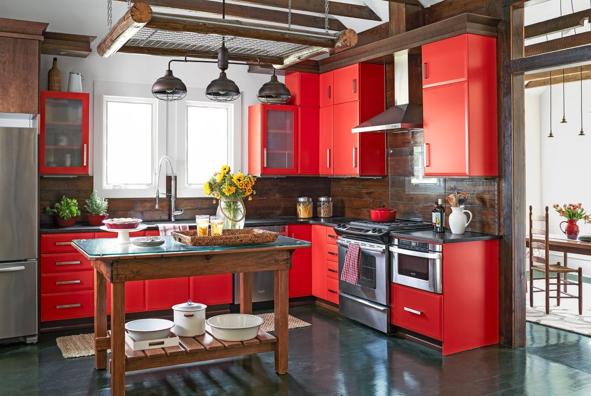 The Ox kitchen should look rustic. Rely on the color red. Bring out fire and earth elements.