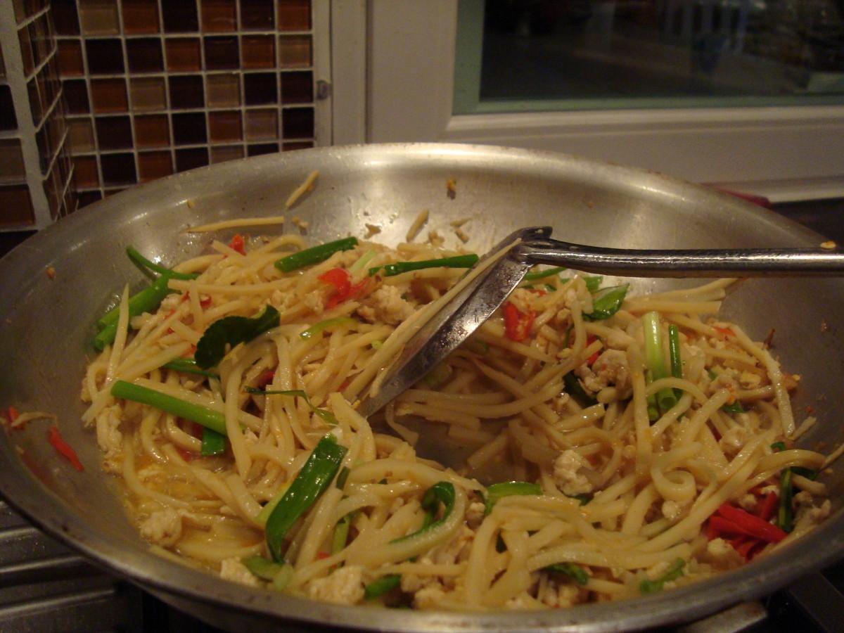 Spicy Thai Stir Fried Bamboo with Chicken Recipe
