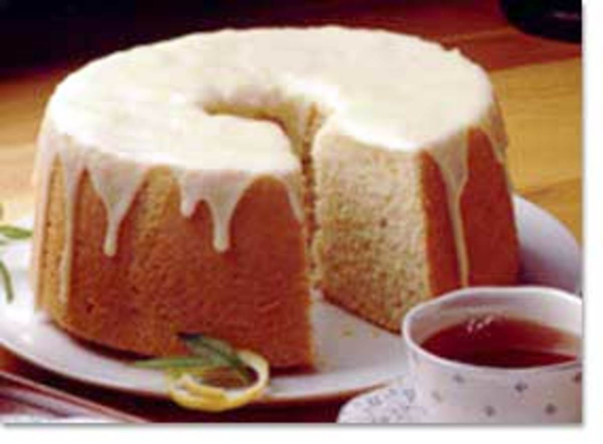 TRADITIONAL CHIFFON CAKE (Photo courtesy of http://whatscookingamerica.net/)
