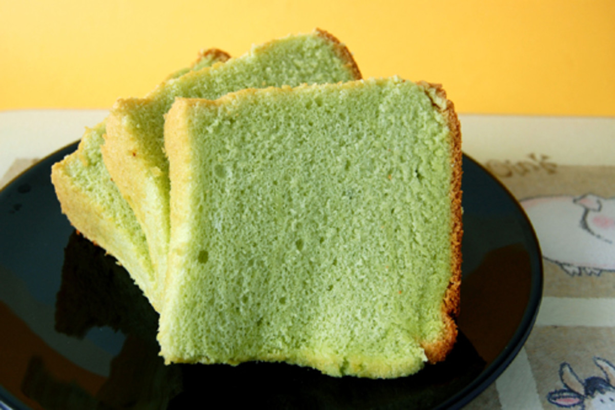 Slices of PANDAN CHIFFON CAKE (Photo courtesy of http://1.bp.blogspot.com/)