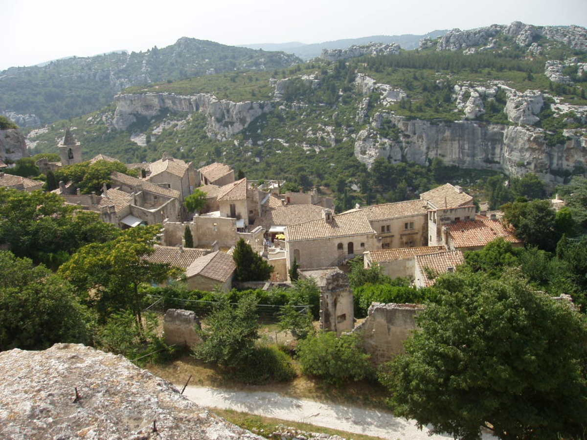 The rocky land of Provence creates a soil composition that is unique to this area of France. This results in some wonderfully delicious wines that are unmatched in flavor.