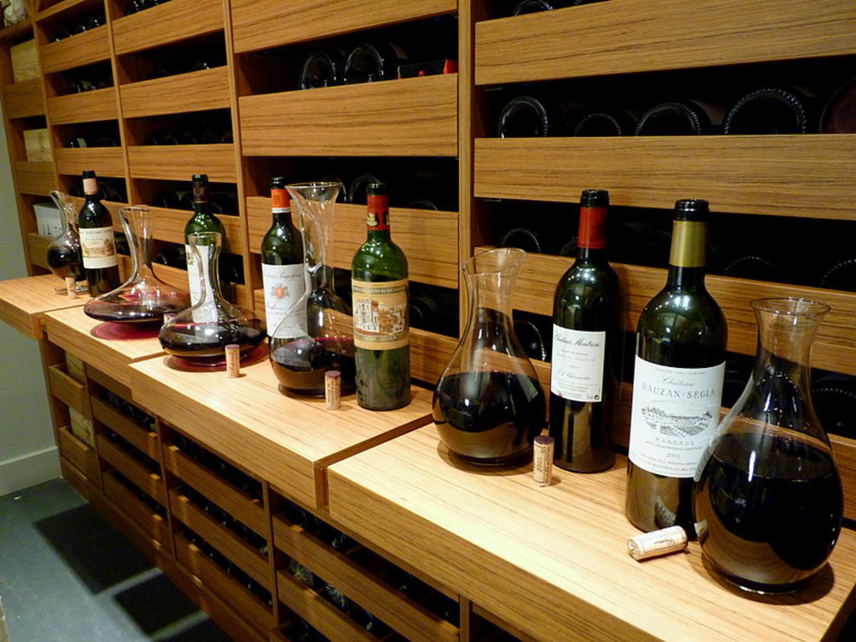Tasting wines from Saint-Estèphe, Margaux, Saint-Julien, Pomerol, Moulis, and Saint-Émilion.