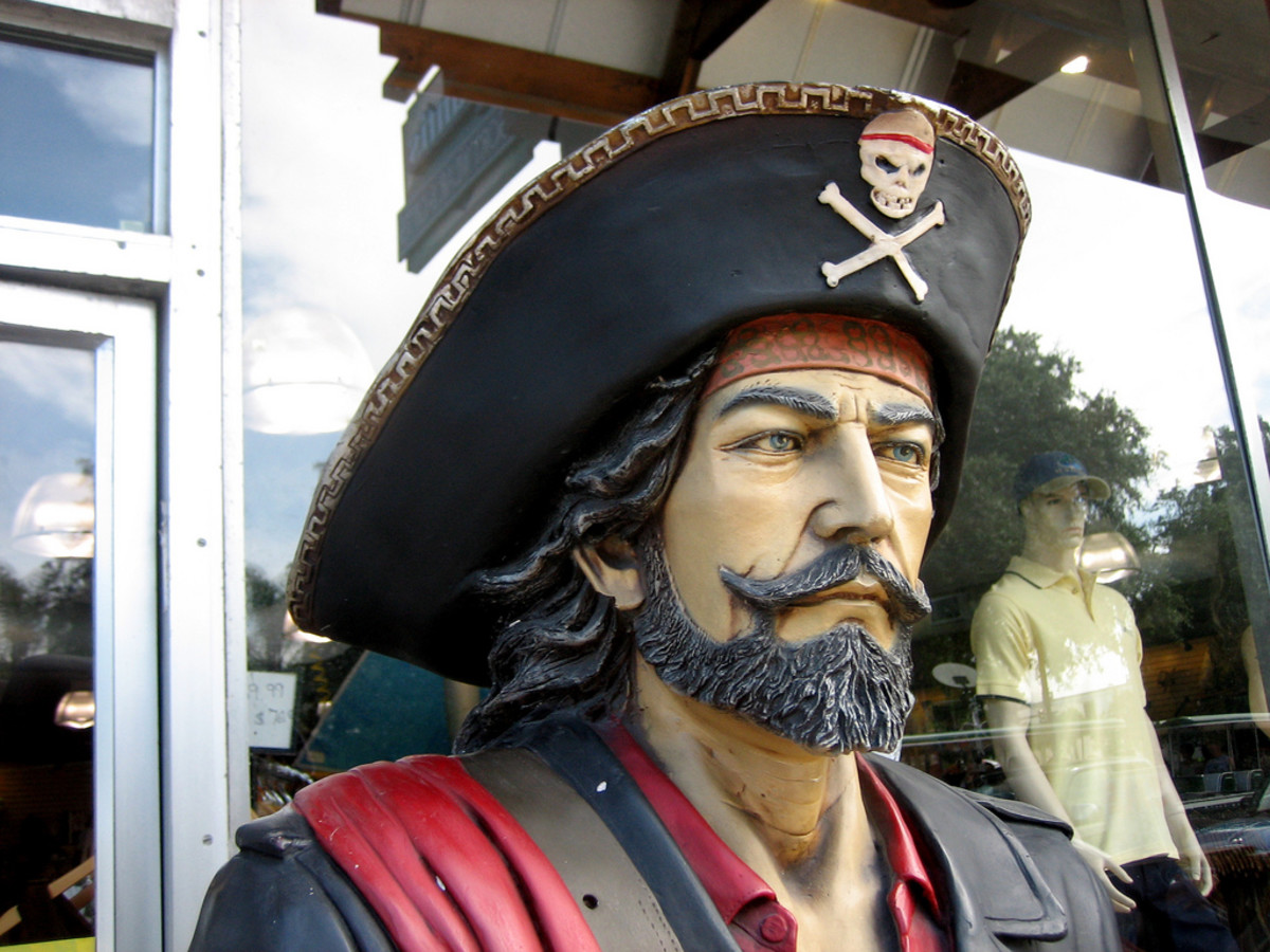 Pirate Costume Ideas: Dress Like You're From the High Seas