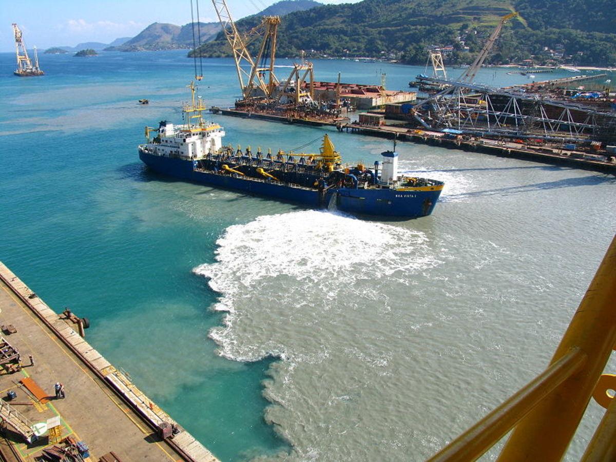 Point source pollution in Brasfels shipyard in Rio de Janeiro, Brazil