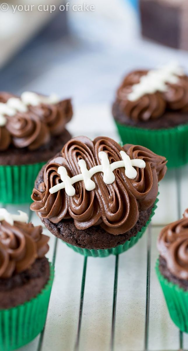 cupcake footballs