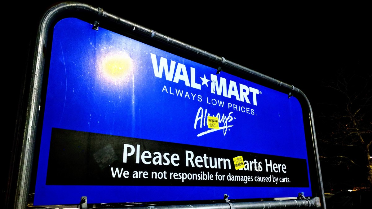Tips for Working at Walmart as a Cart-Pusher