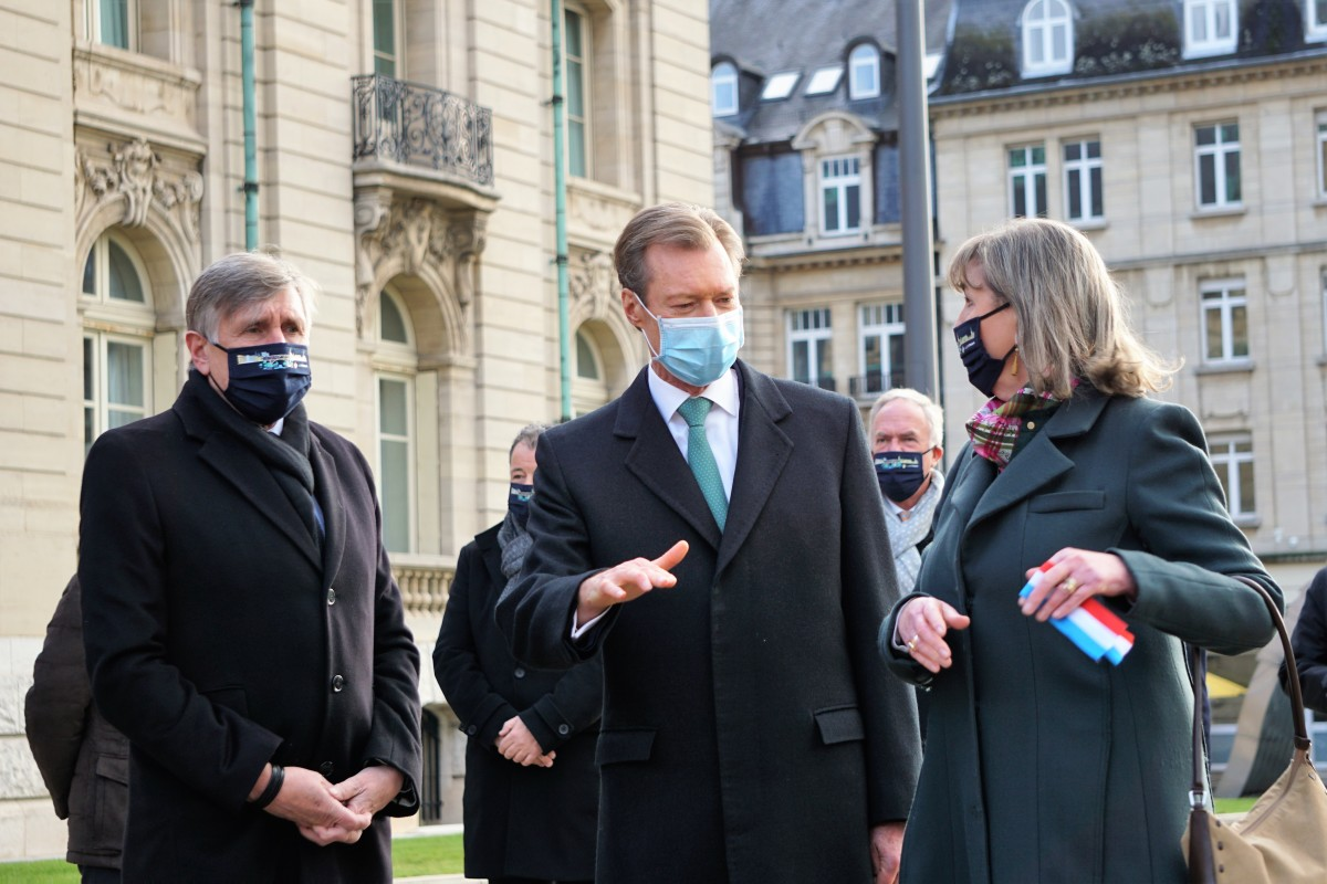 Inauguration of the 3rd phase of the tram line at Luxembourg City on 13 December 2020. Following the ribbon cutting ceremony. From left to right, Minister Bausch, Grand Duke Henri and Mayor Polfer.