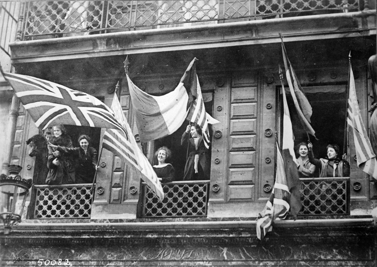 Luxembourgers celebrating the liberation of their country and welcoming the arrival of Allied soldiers after the Armistice, November 1918.