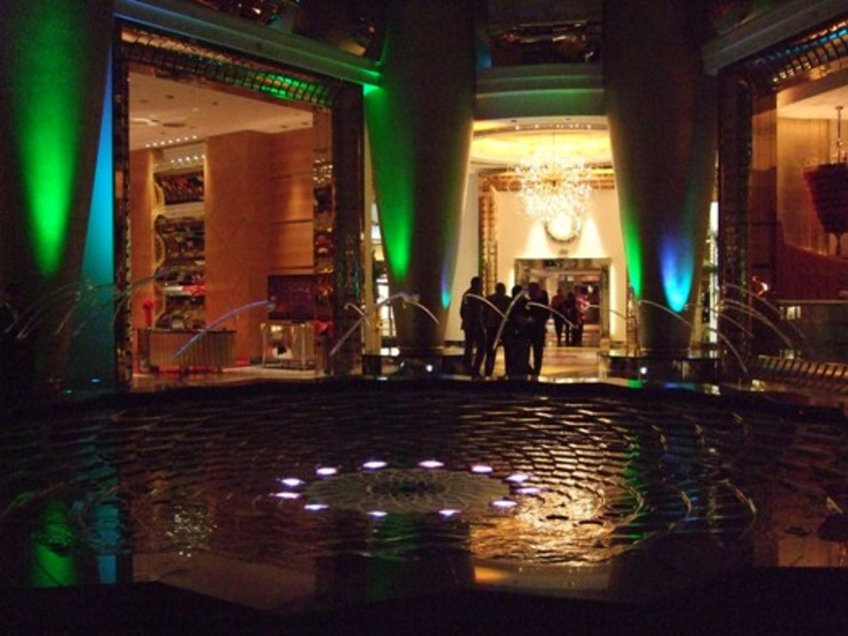 Indoor fountain at the Burj al Arab