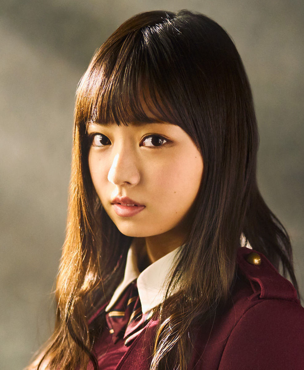 During the photo session for the song called Futari Saison.