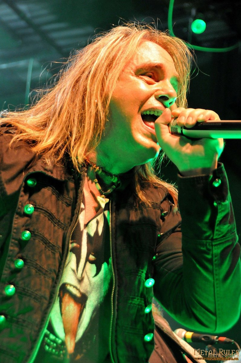 Andi Deris replaced vocalist Michael Kiske in 1993 and he has proven to be a very good vocalist for one of the longest active German heavy metal bands.
