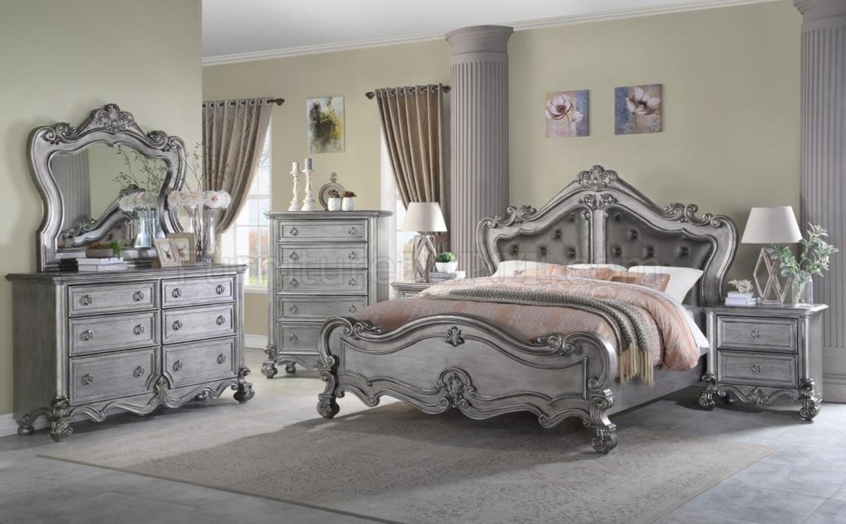 The Dragon bedroom should be ornate but not as colorful as other rooms. It should be a peaceful room where you can relax. Silver is my favorite color for dragon bedrooms.