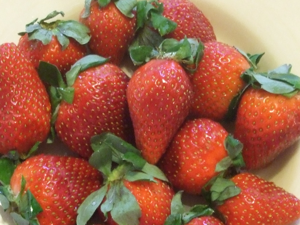Strawberries provide Valentine red color.