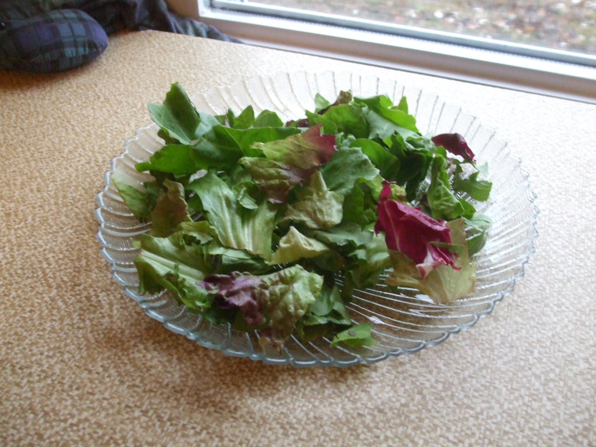 Spread trhe greens on a plate or in a bowl.