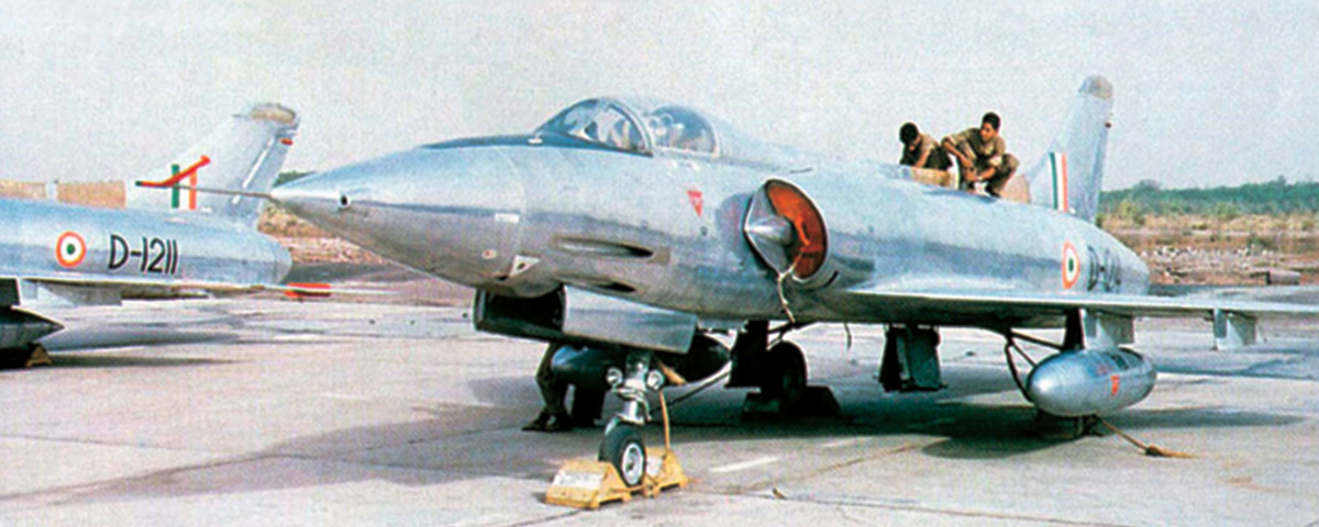 the-hf-24-marut-first-jet-fighter-manufactured-outside-the-developed-world