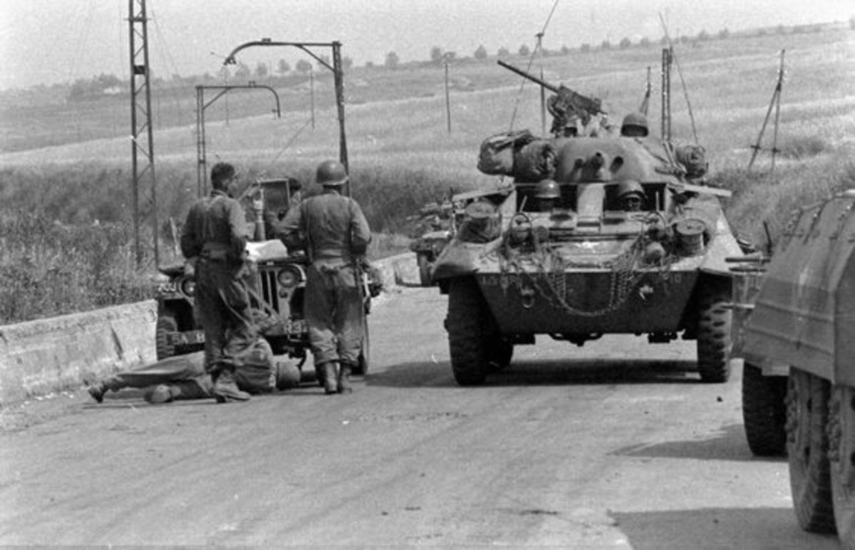 A hard turn northwards - Greyhounds from the 1st Armored Division on the road to Rome (Route 7).