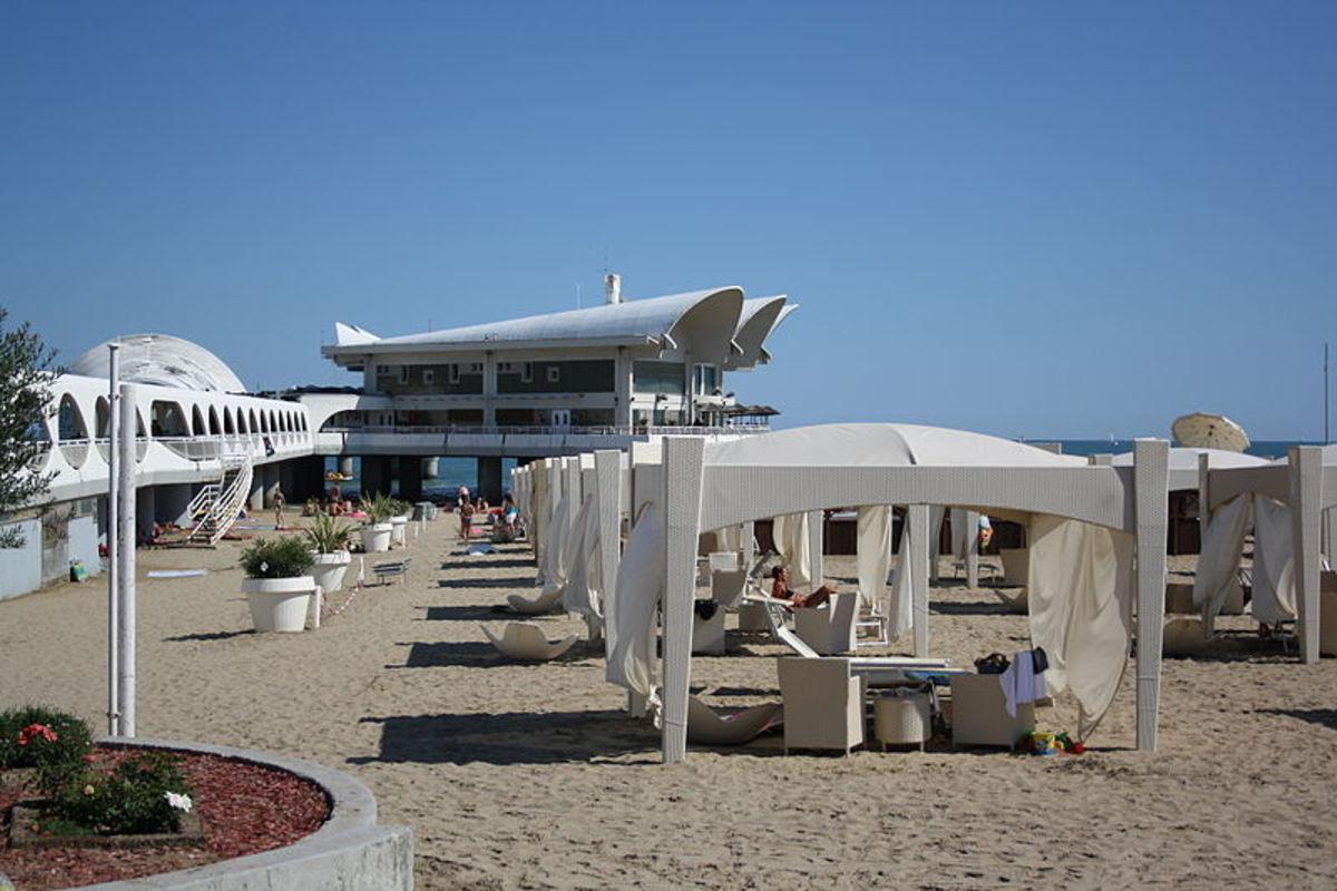 Lignano Sabbiadoro, view of beach near Terrazza a Mare