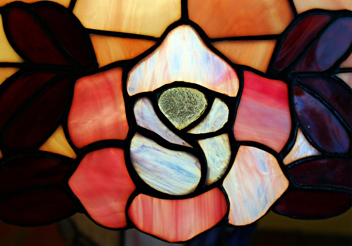 stained-glass-panels-used-in-home-decorating